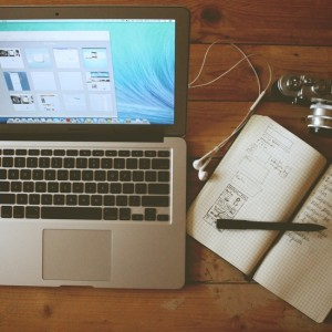 apple-camera-desk-office-large